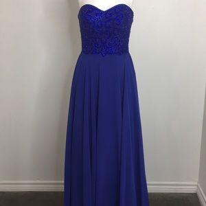 Alyce Paris plus size gown